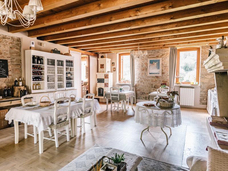 Bed Breakfast Con Piscina In Valpolicella Verona Vicino Lago Di Garda Bed Breakfast Relais De Charme La Caminella